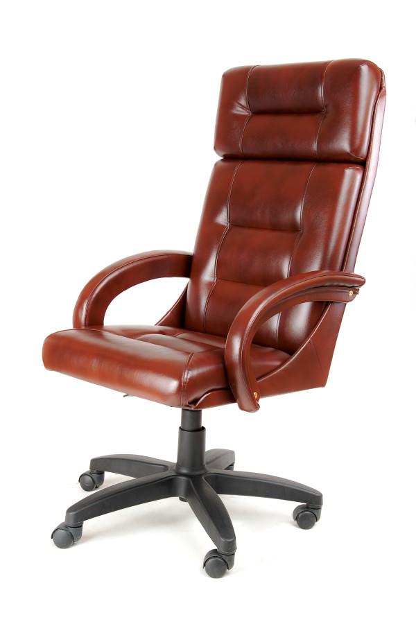 Недорогое кресло руководителя с мягкими локтями и высокой спинкой КР-7