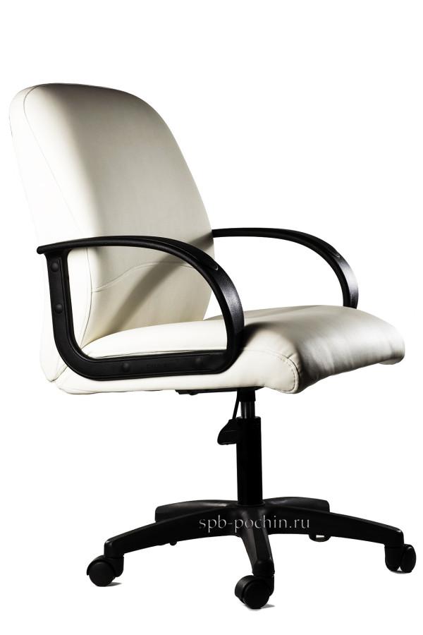 Мягкое и удобное белое офисное кресло КР-6.