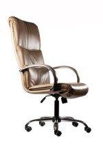 Офисное кресло руководителя КР-16а бежевый глянец в комплектации «Хром»