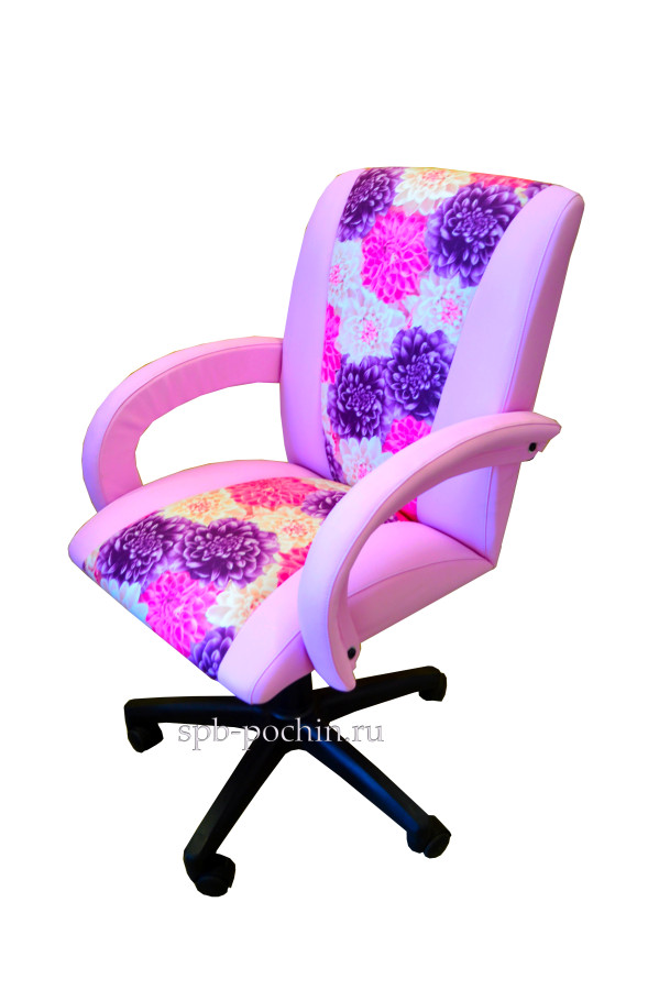Кресло компьютерное КР-11н сиреневого цвета Компания Почин предлагает кресло компьютерное КР-11н сиреневого цвета Кресло предназначенное как для офиса, так и для домашнего использования, имеет удобную посадку и регулировку по высоте с помощью механизма газлифта, позволяя настроить под любой рост и высоту рабочего места. Материалы данного кресла - экокожа с использованием вставок из ткани, но так же имеется возможность изготовления только из экокожи или ткани, на усмотрение покупателя. Возможна установка: механизм качания стальная крестовина полиуретановые ролики усиленный газлифт 3 класс усиленная крестовина «Америка» Гарантия 18 месяцев