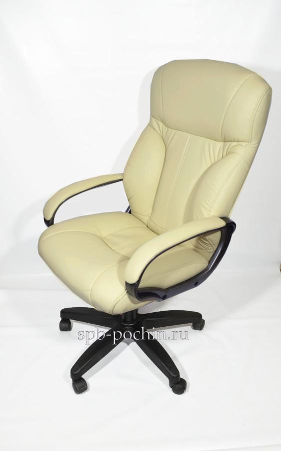 Комфортное и мягкое кресло руководителя КР-19
