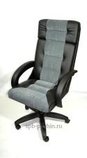 Черное офисное кресло руководителя КР-7   со вставкой