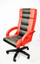 Красное офисное кресло руководителя КР-7 со вставкой