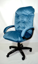 Мягкое удобное компьютерное тканевое кресло КР-28 велюр
